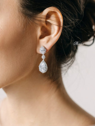 Eve Classic Pear Earrings