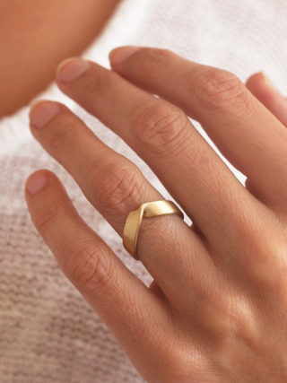 Wide Unisex Wedding Band