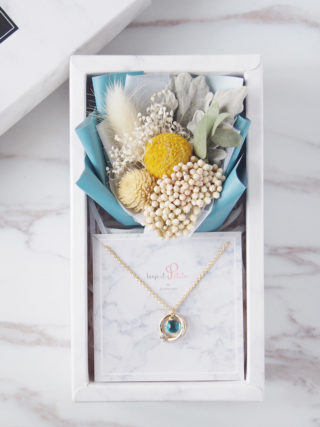 Blue Ring Necklace with Bunny Tail and Billy Ball Bouquet Gift Set