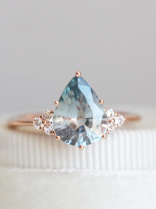 Light Jeans Blue Sapphire Diamond Ring