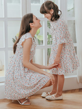 Floral-Printed Chiffon Mother Daughter Matching Dresses